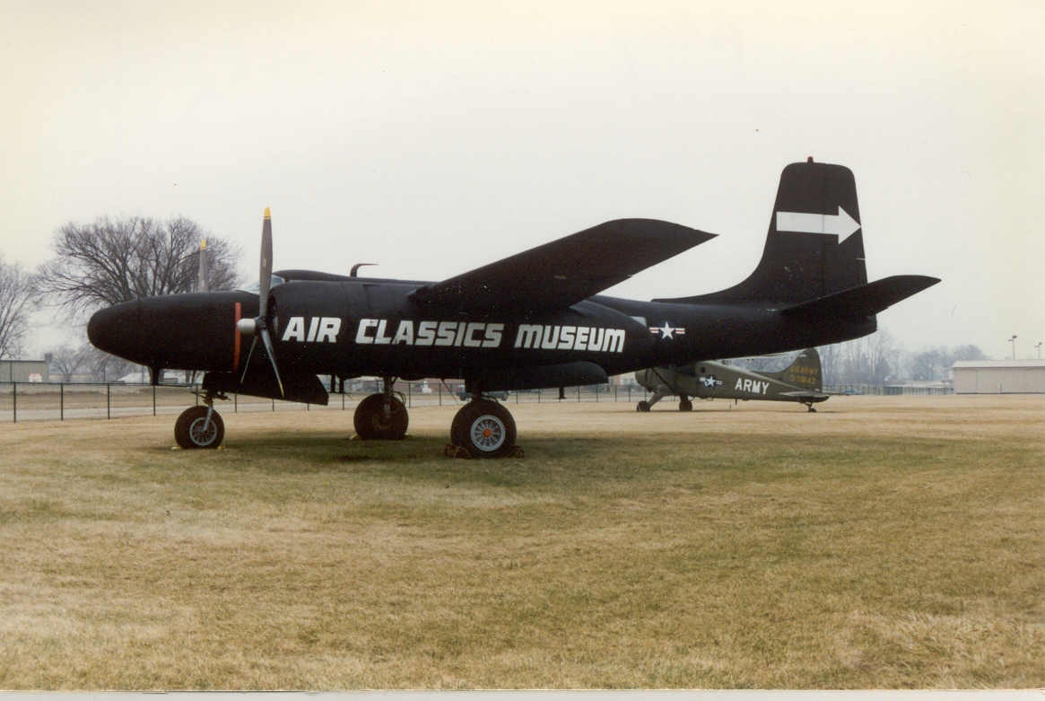 a-26n401yleftfront.jpg